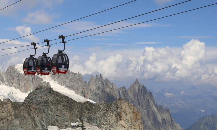 Installation of a cable car on Mount Kilimanjaro